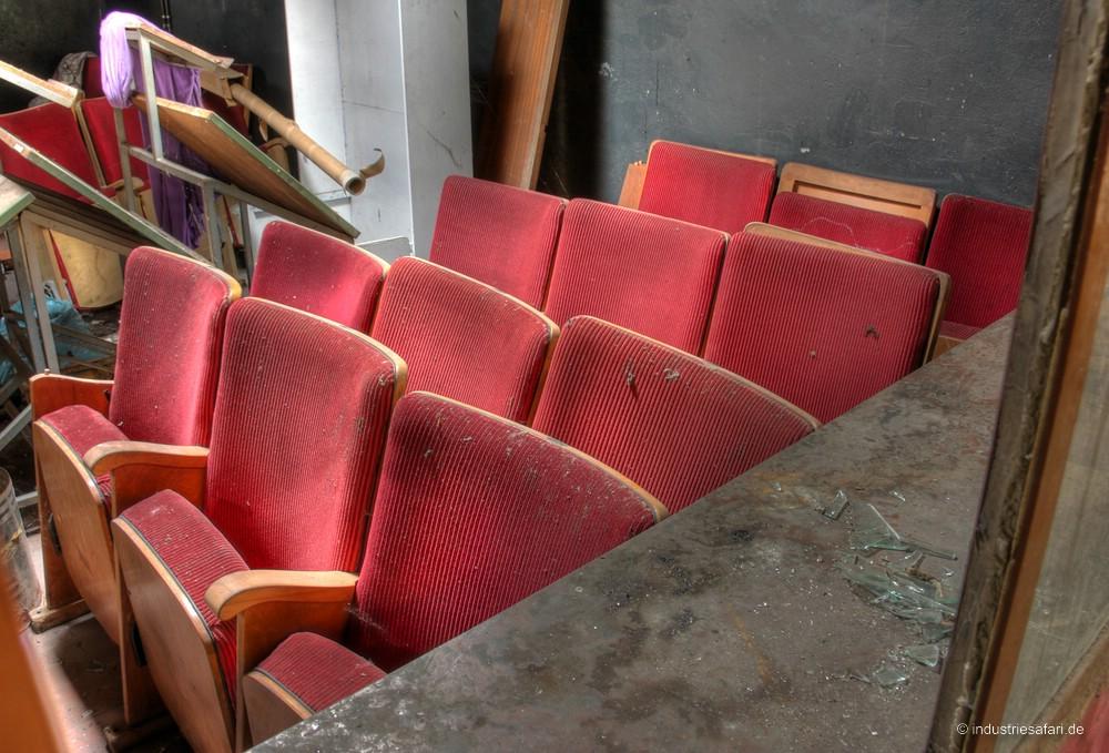 Das Crystal Theatre [2009]