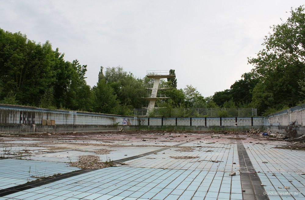 Das Freibad [2009]