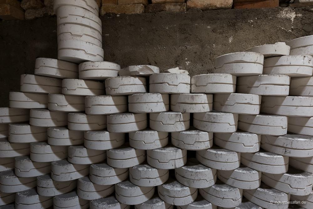 137 Porzellanfabrik roter Staub