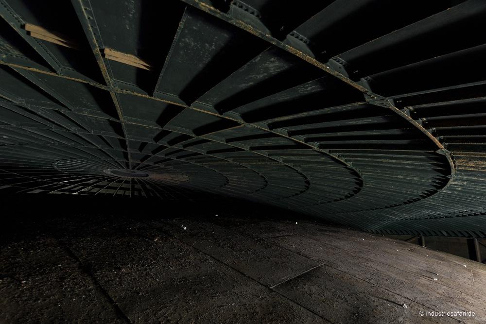 113_04_Gasometer