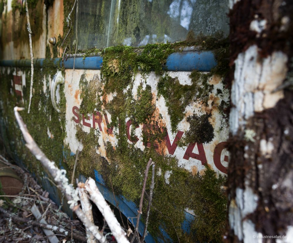 129_02_Autofriedhof_B