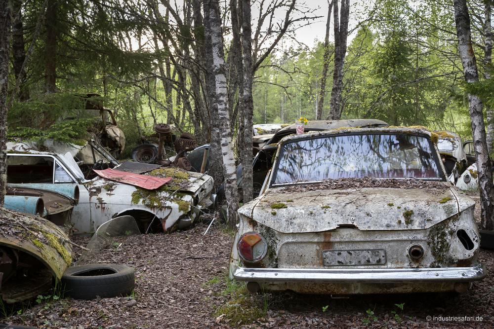 129_03_Autofriedhof_B