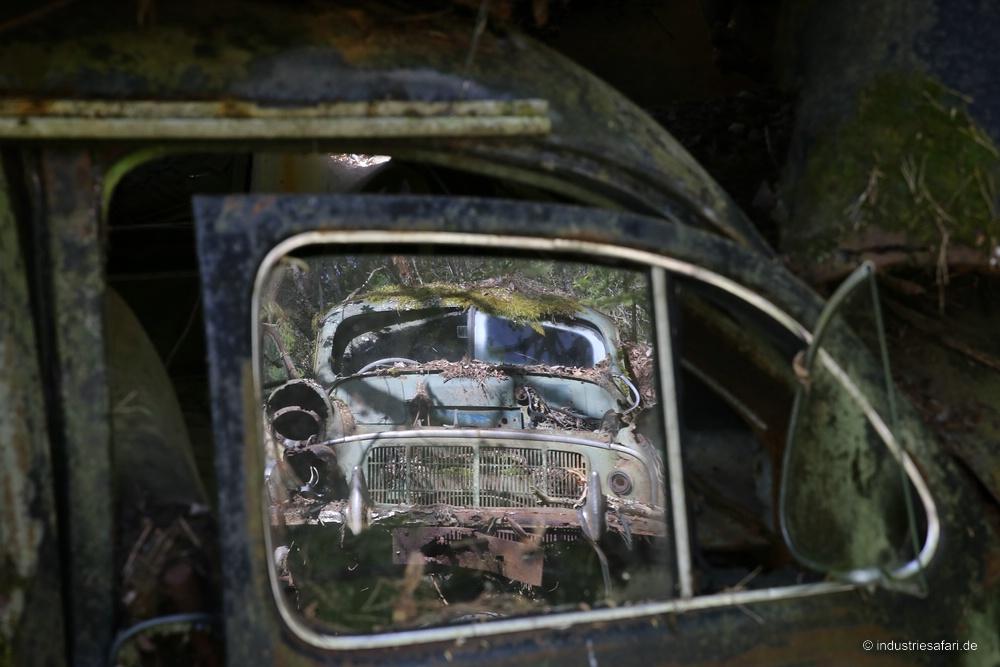 129_20_Autofriedhof_B
